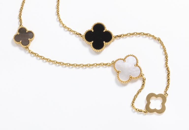 Van Cleef & Arpels & Chloe, a Rare, Limited-Edition 18K Gold Alhambra Necklace For Sale 5
