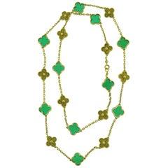 Van Cleef & Arpels Chrysophrase Necklace in 18 Karat Yellow Gold