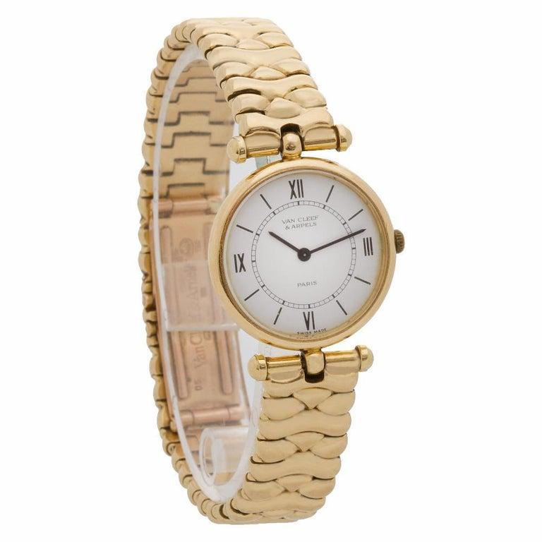 Van Cleef & Arpels Classic 18601cc1 18 Karat Quartz Watch In Excellent Condition For Sale In Miami, FL