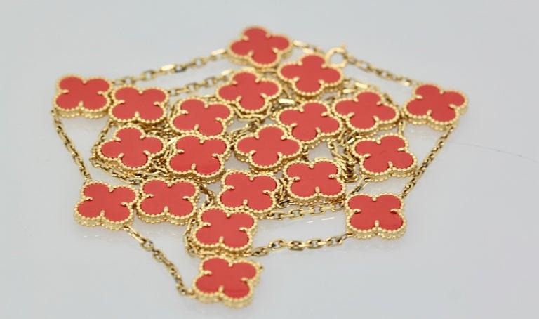 Van Cleef & Arpels Coral Alhambra 20 Motif Necklace 18 Karat Yellow Gold For Sale 6