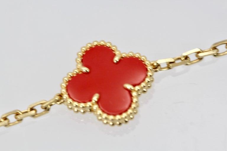Modern Van Cleef & Arpels Coral Alhambra 20 Motif Necklace 18 Karat Yellow Gold For Sale