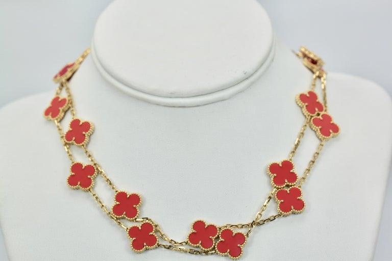 Van Cleef & Arpels Coral Alhambra 20 Motif Necklace 18 Karat Yellow Gold For Sale 1