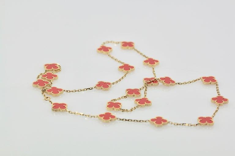 Van Cleef & Arpels Coral Alhambra 20 Motif Necklace 18 Karat Yellow Gold For Sale 3