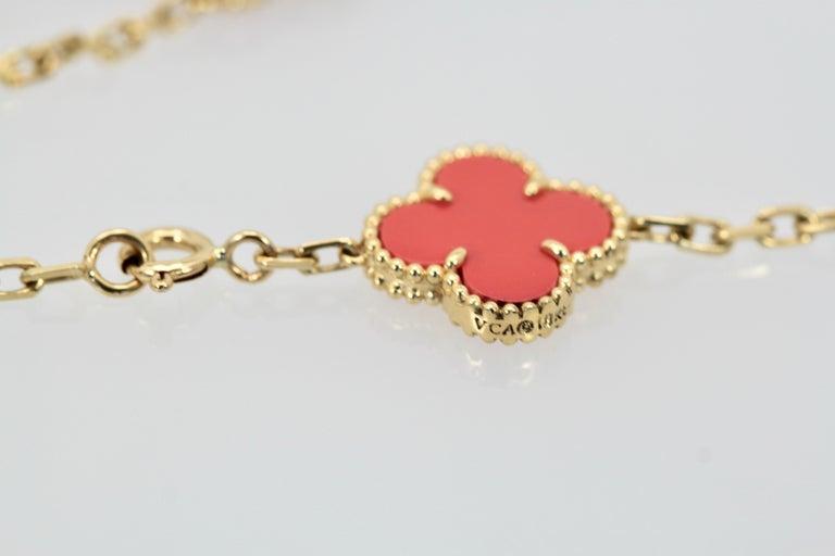 Van Cleef & Arpels Coral Alhambra 20 Motif Necklace 18 Karat Yellow Gold For Sale 4
