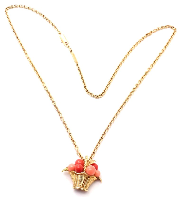 Van Cleef & Arpels Coral Bead Fruit Basket Yellow Gold Pendant Necklace In Excellent Condition For Sale In Holland, PA