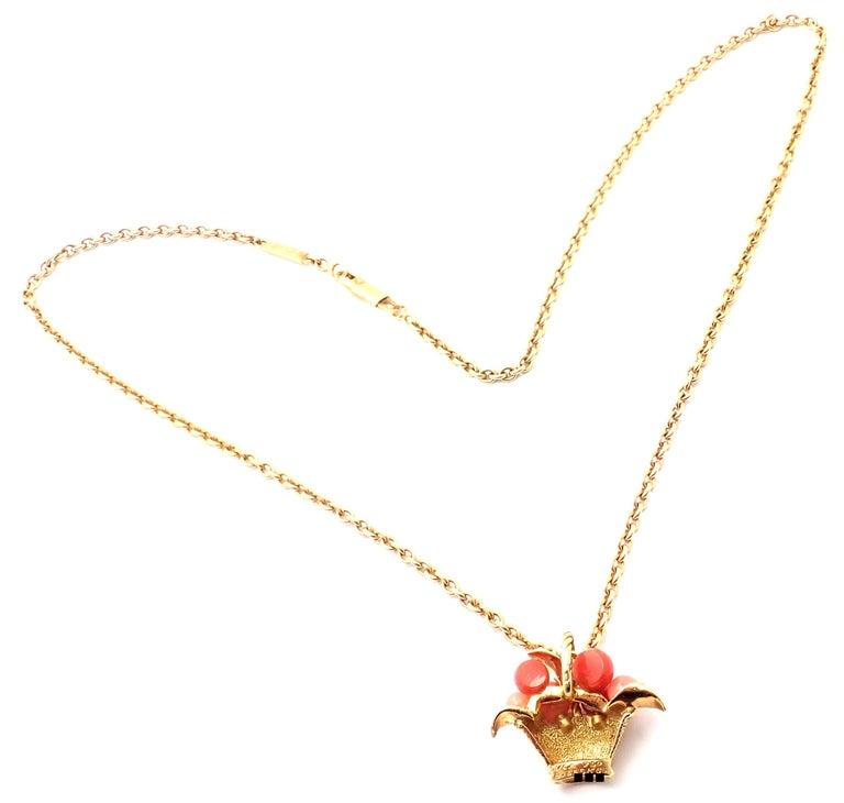 Women's or Men's Van Cleef & Arpels Coral Bead Fruit Basket Yellow Gold Pendant Necklace For Sale