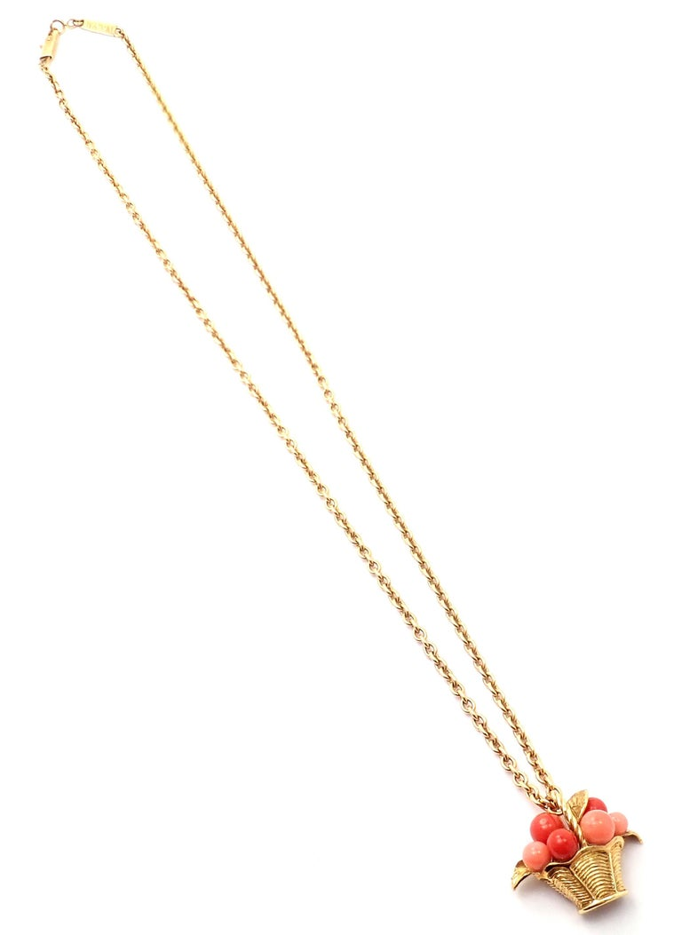 Van Cleef & Arpels Coral Bead Fruit Basket Yellow Gold Pendant Necklace For Sale 4