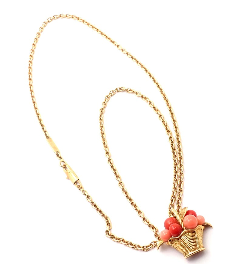 Van Cleef & Arpels Coral Bead Fruit Basket Yellow Gold Pendant Necklace For Sale 5