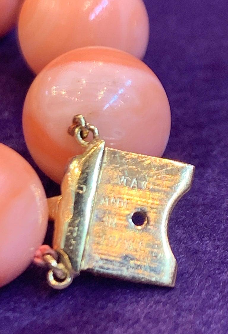 Van Cleef & Arpels Coral Bead Necklace For Sale 2