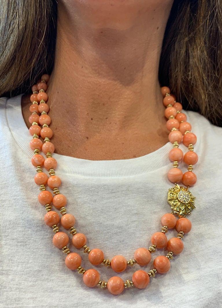 Van Cleef & Arpels Coral Bead Necklace For Sale 4