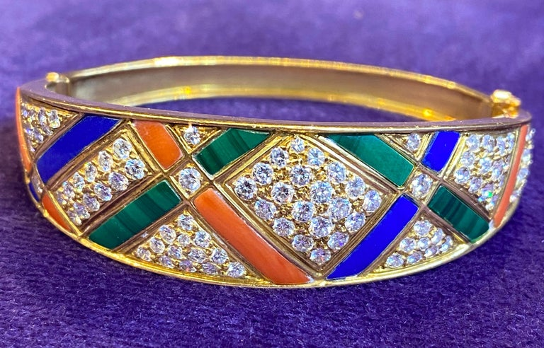 Van Cleef & Arpels Coral Malachite Lapis Lazuli and Diamond Bangle In Excellent Condition For Sale In New York, NY
