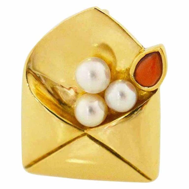 Van Cleef & Arpels Coral Pearl Brooch 18 Karat Yellow Gold For Sale