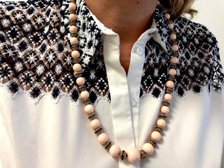 Round Cut Van Cleef & Arpels Coral, Sapphire Necklace or Bracelet For Sale