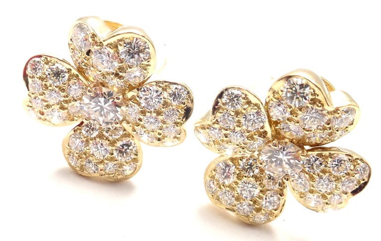 Van Cleef & Arpels Cosmos Diamond Flower Yellow Gold Earrings In Excellent Condition For Sale In Holland, PA