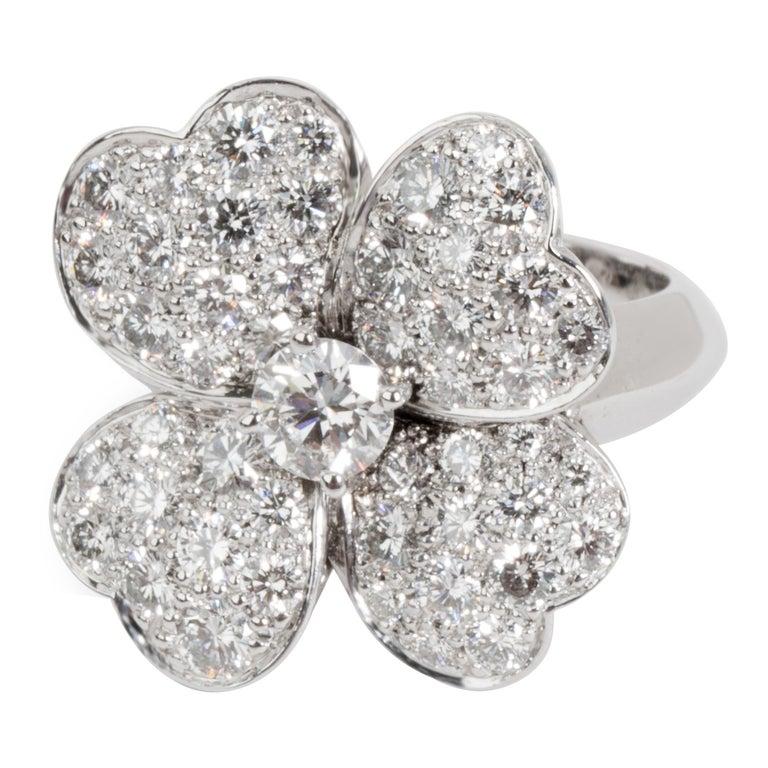 Van Cleef & Arpels Cosmos Flower Diamond Ring in 18 Karat White Gold 1.85 Carat For Sale