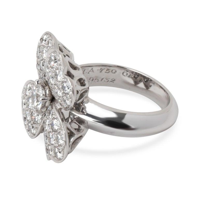 Women's Van Cleef & Arpels Cosmos Flower Diamond Ring in 18 Karat White Gold 1.85 Carat For Sale
