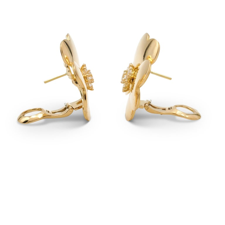 Van Cleef & Arpels 'Cosmos' Yellow Gold and Diamond Earrings In Excellent Condition For Sale In New York, NY