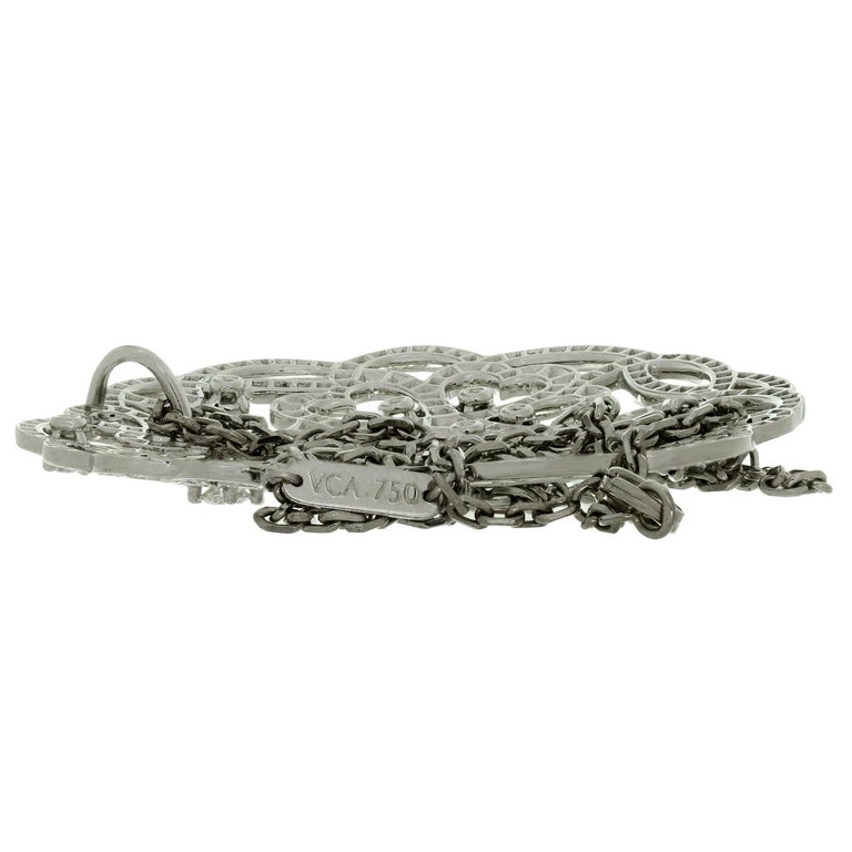 Van Cleef & Arpels Dentelle Diamond White Gold Neckalce For Sale 2