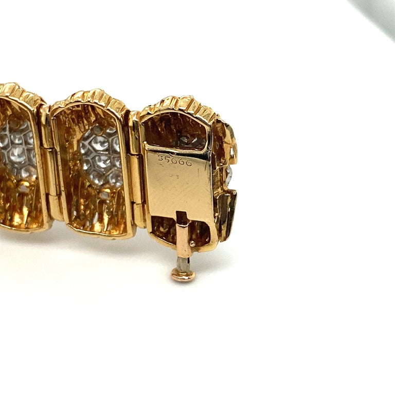 Women's or Men's Van Cleef & Arpels Diamond and 18k Gold Bracelet For Sale