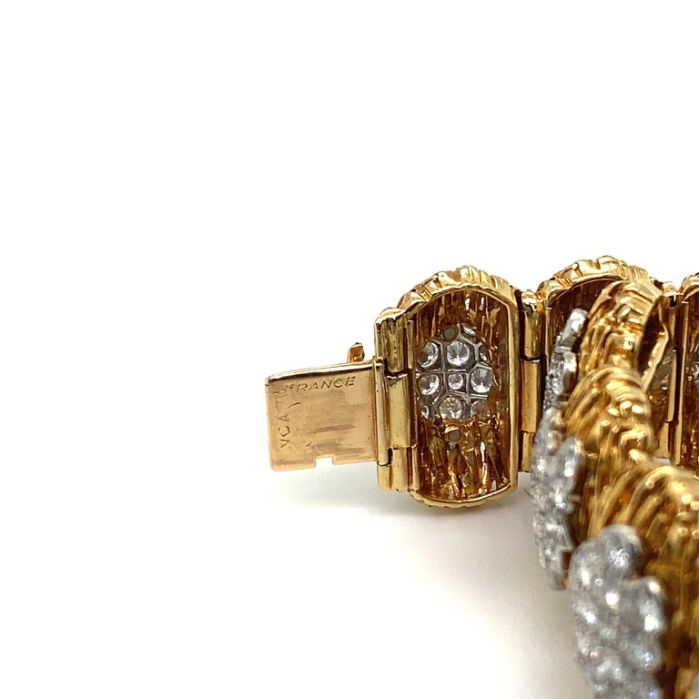Van Cleef & Arpels Diamond and 18k Gold Bracelet For Sale 1