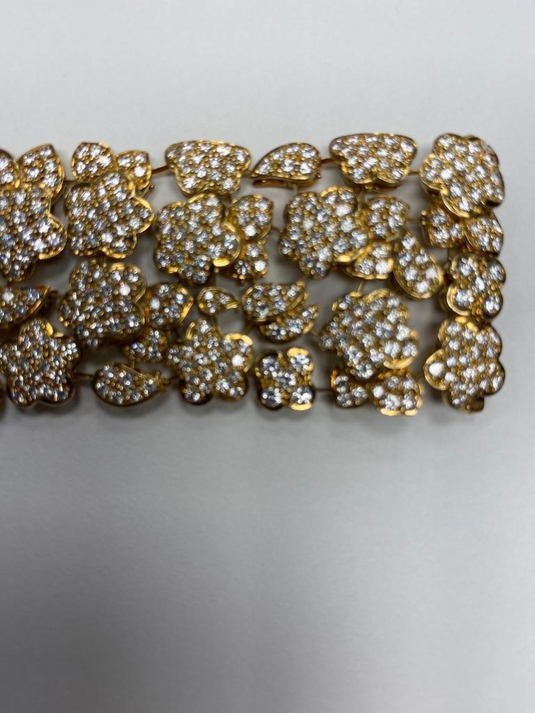 Round Cut Van Cleef & Arpels Diamond and Gold Bracelet For Sale
