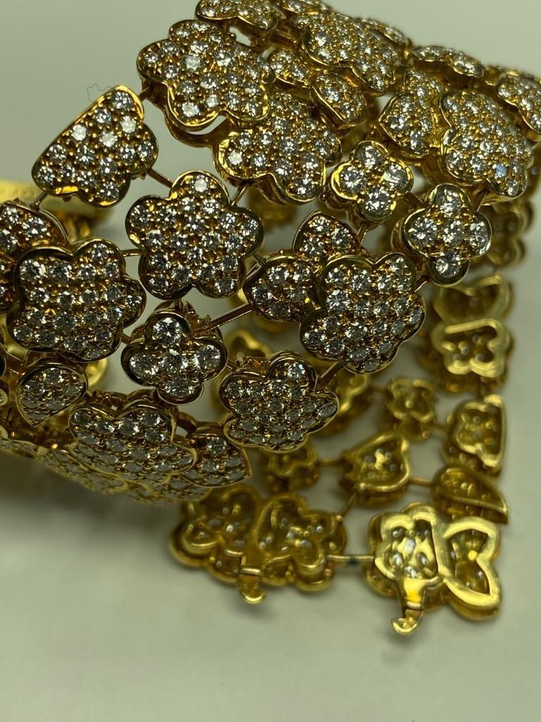 Women's or Men's Van Cleef & Arpels Diamond and Gold Bracelet For Sale