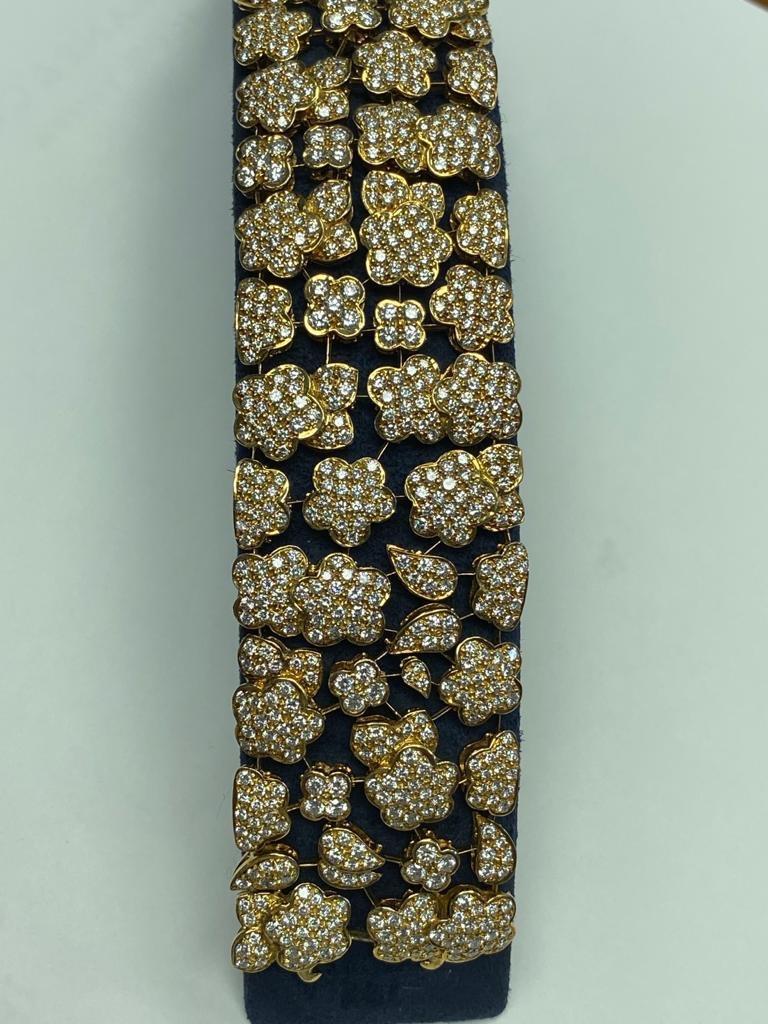 Van Cleef & Arpels Diamond and Gold Bracelet For Sale 2
