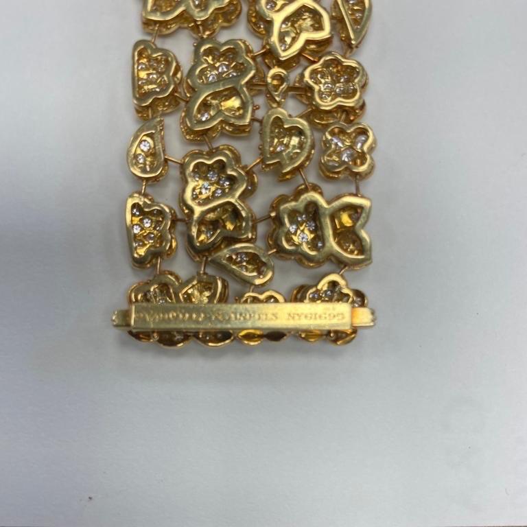 Van Cleef & Arpels Diamond and Gold Bracelet For Sale 3