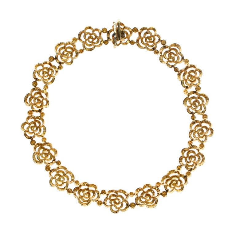 Round Cut Van Cleef & Arpels Diamond and Gold Openwork Necklace For Sale