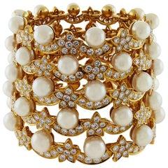 Van Cleef & Arpels Diamond and Pearl 18 Karat Gold Manchette Cuff Bracelet