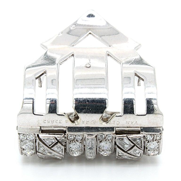 Van Cleef & Arpels Diamond Art Deco Clip, France, ca. 1920s For Sale 8
