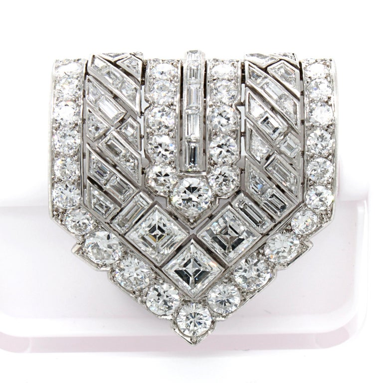 Van Cleef & Arpels Diamond Art Deco Clip, France, ca. 1920s For Sale 9