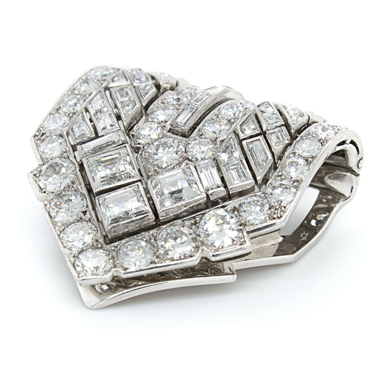 Van Cleef & Arpels Diamond Art Deco Clip, France, ca. 1920s For Sale 4
