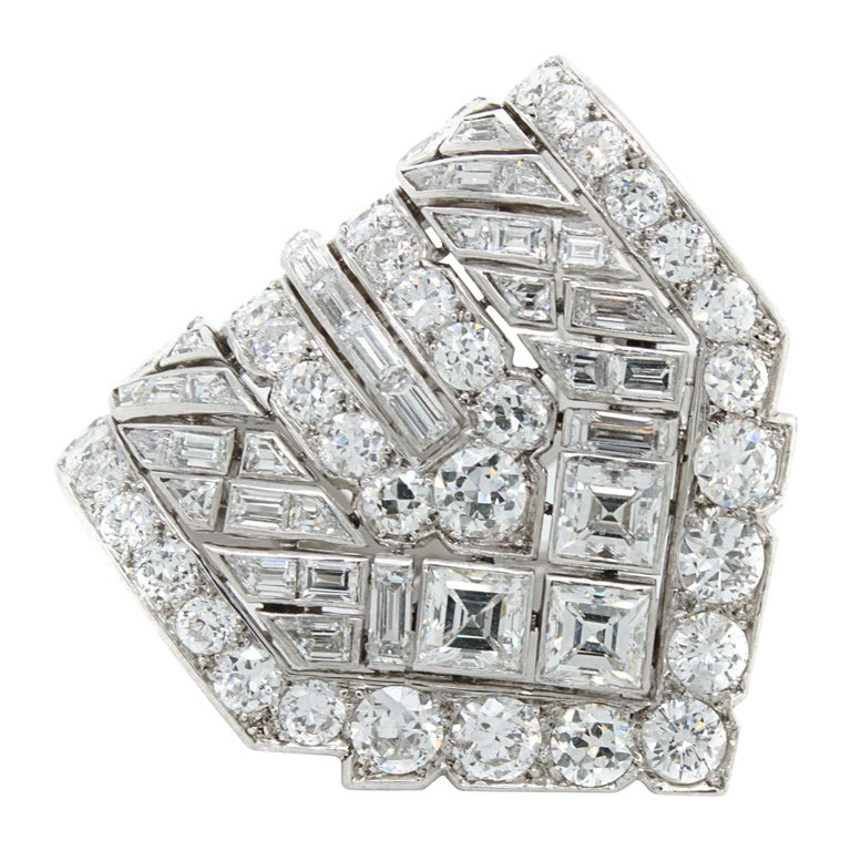 Van Cleef & Arpels Diamond Art Deco Clip, France, ca. 1920s For Sale