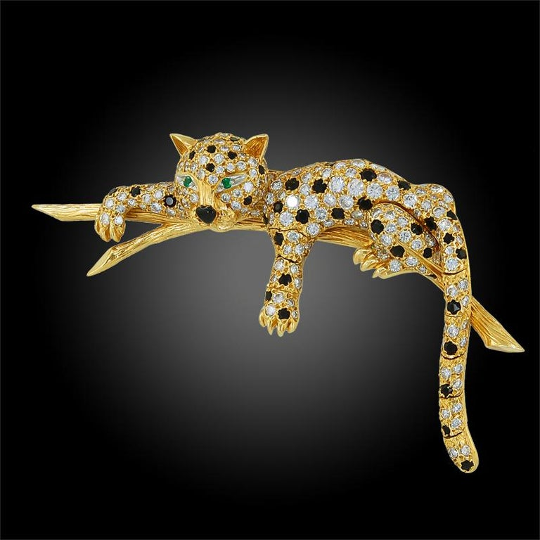 Van Cleef & Arpels Diamond, Black Onyx, Emerald Leopard Brooch In Good Condition For Sale In New York, NY