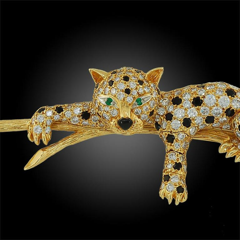 Women's or Men's Van Cleef & Arpels Diamond, Black Onyx, Emerald Leopard Brooch For Sale