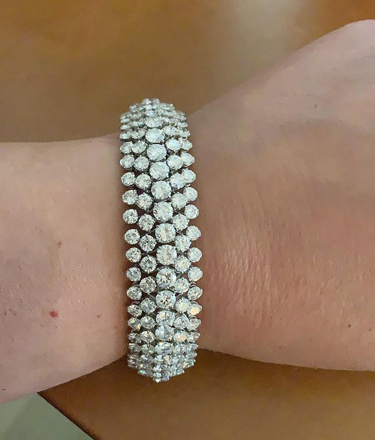 Round Cut Van Cleef & Arpels Diamond Bombe Bracelet For Sale