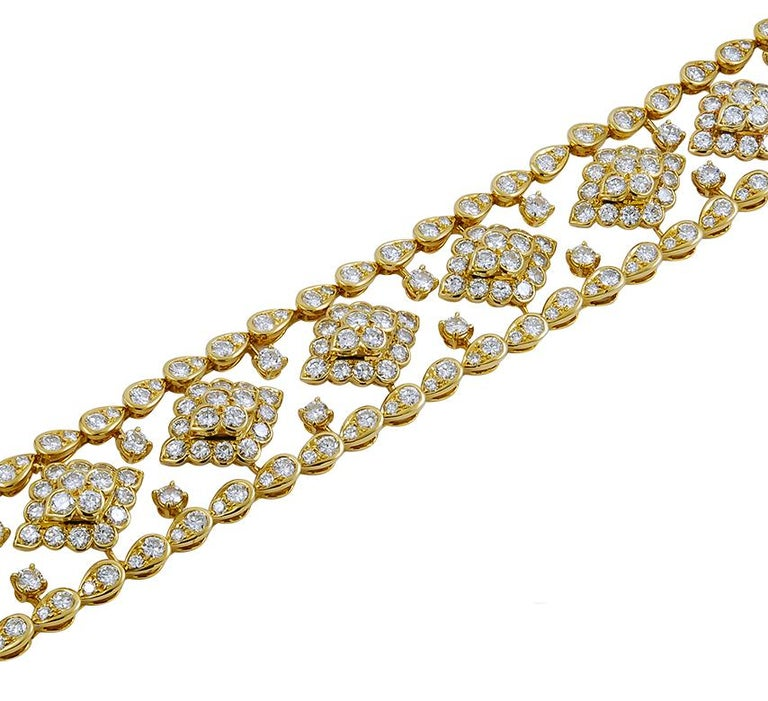 Van Cleef & Arpels Diamond Bracelet In Good Condition For Sale In New York, NY