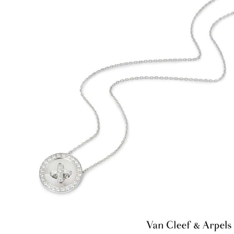 Round Cut Van Cleef & Arpels Diamond Button Pendant 1.00 Carat For Sale