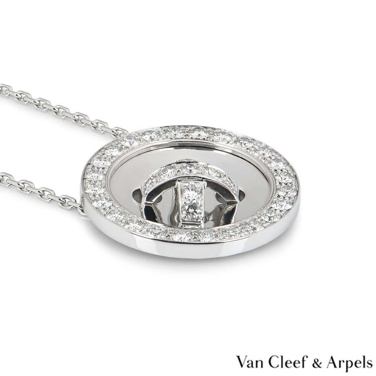 Van Cleef & Arpels Diamond Button Pendant 1.00 Carat In Excellent Condition For Sale In London, GB