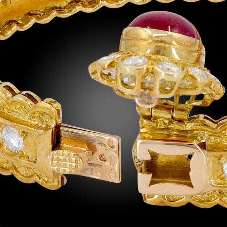 Women's or Men's Van Cleef & Arpels Diamond, Cabochon Ruby Bangle For Sale