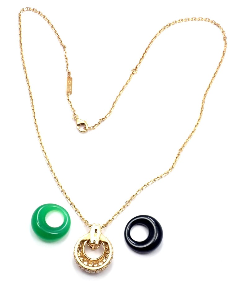Van Cleef & Arpels Diamond Chalcedony Onyx 2 Extra Pendants Yellow Gold Necklace For Sale 7