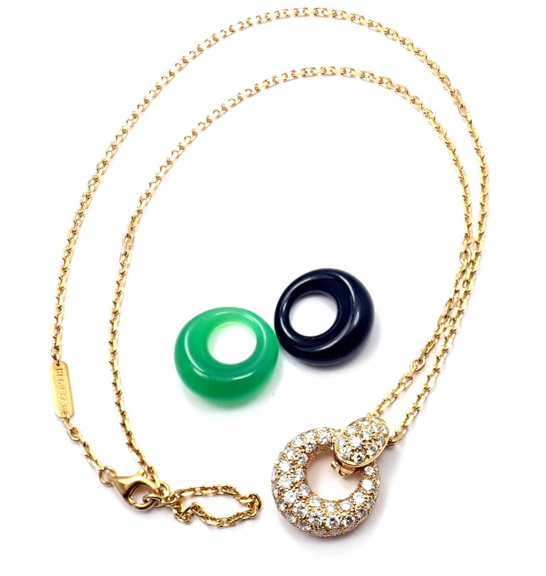 18k Yellow Gold Diamond Chalcedony Black Onyx 2 Extra Pendant Necklace by Van Cleef & Arpels This necklace comes with 3 interchangeable pendants. With 80 brilliant round cut diamonds VVS1 clarity, F color Total weight 2ctw 1 chalcedony & 1