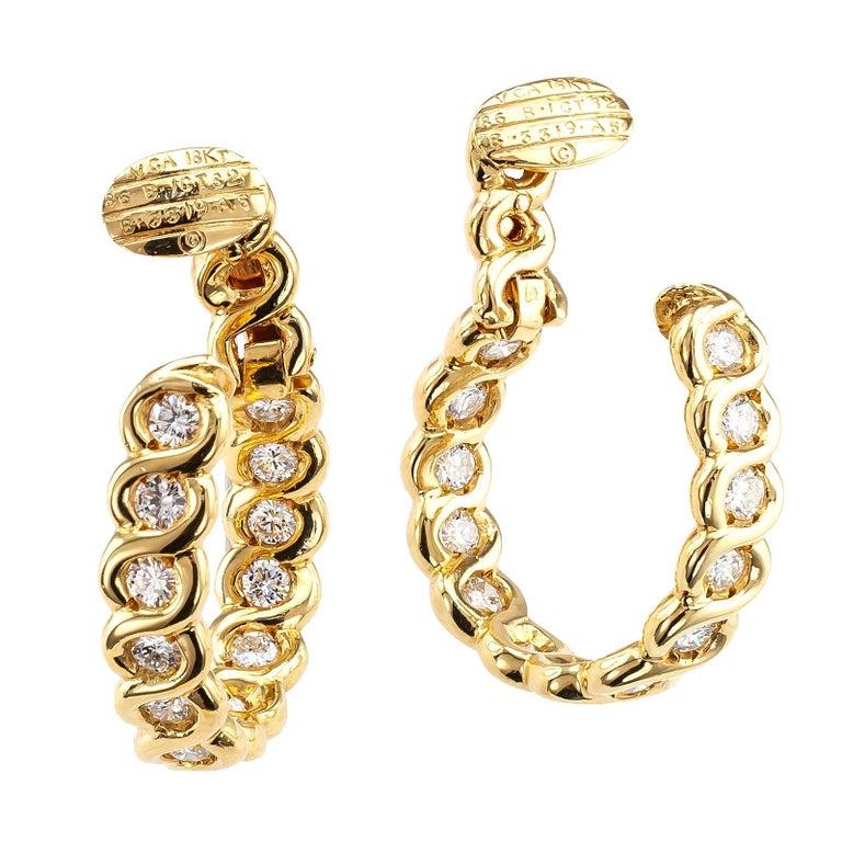 Round Cut Van Cleef & Arpels Diamond Clip-On Hoop Earring  For Sale