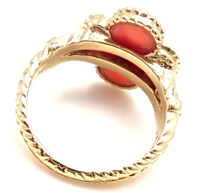 Women's or Men's Van Cleef & Arpels Diamond Coral Alhambra Yellow Gold Ring For Sale
