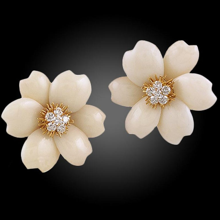 Van Cleef & Arpels Diamond Coral Yellow Gold Rose de Noël Earrings In Good Condition For Sale In New York, NY