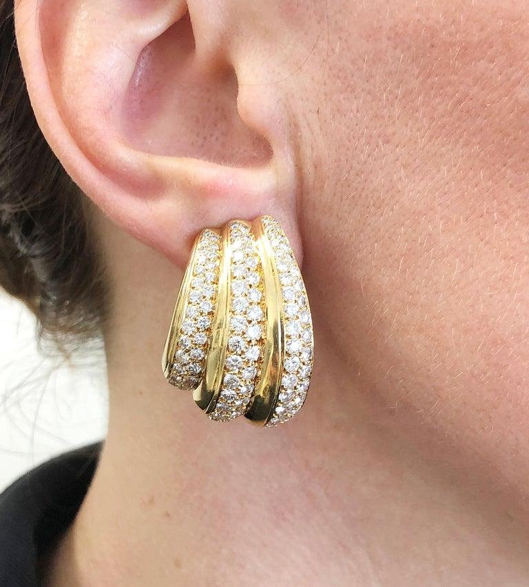 Round Cut Van Cleef & Arpels Diamond Ear Gold Earrings For Sale