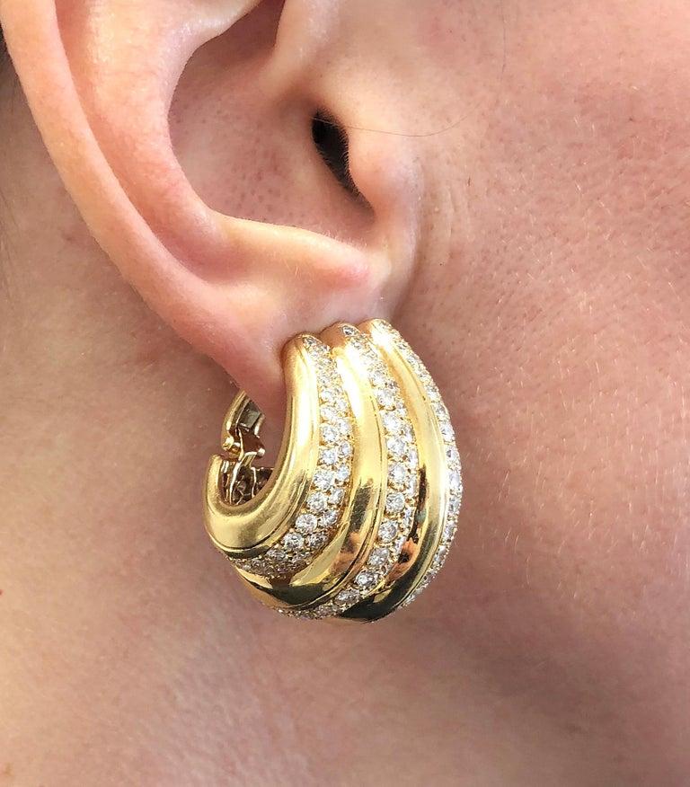 Women's Van Cleef & Arpels Diamond Ear Gold Earrings For Sale