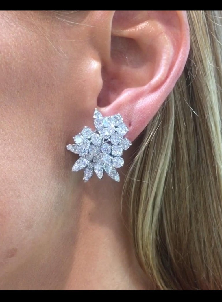 Van Cleef & Arpels Diamond Earrings For Sale 4