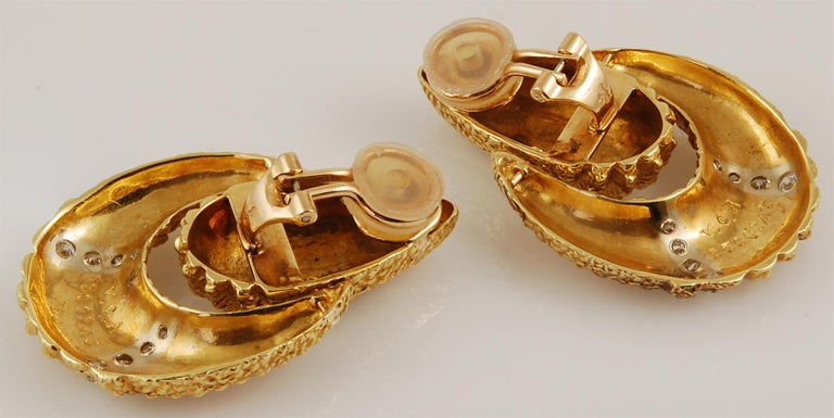 Van Cleef & Arpels Diamond Earrings In Good Condition For Sale In New York, NY